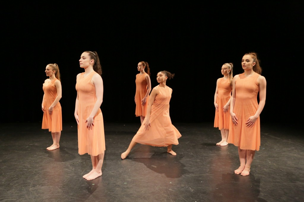 """L to R Lauren-Frances Wood, Rebecca Light, Miranda Stuck, Asia Bonilla, Alison Welch, and Sarah Takash in """"Three Years Suite"""" (photo by Peter Yesley)"""